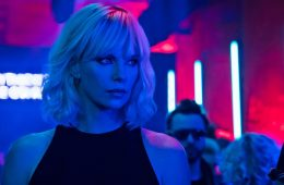 Image of Charlize Theron in Atomic Blonde (2017)